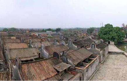 屋群大旗头村,始创于明嘉靖年间,是广东粤中地区典型的,最具独特建筑
